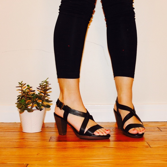 c43c0cf26ed Clarks Shoes - Clarks Jaelyn Fog Sandals in Black